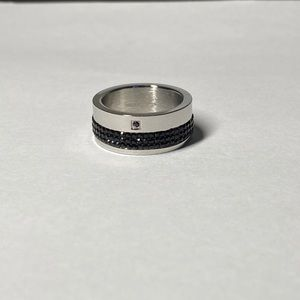 Other - Ring with black Swarovski crystals